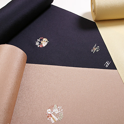 ベーシックに装う 大人の品格 ちりめん刺繍小紋 サムネイル