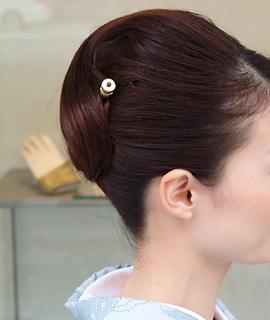 最新のヘアスタイル 結婚式髪型ハーフアップ 自分 : 大島紬に映えるヘア・スタイル ...